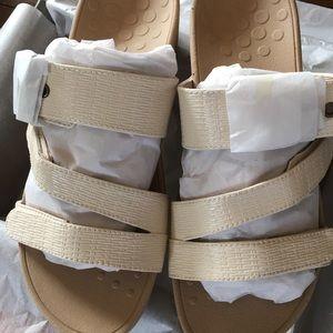 Vionic Pacific Rio Platform Sandal, Cream Size 8 B